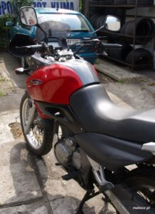 Motocykl Yamaha z Maksor mReference